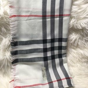 Auth Burberry London Scarf
